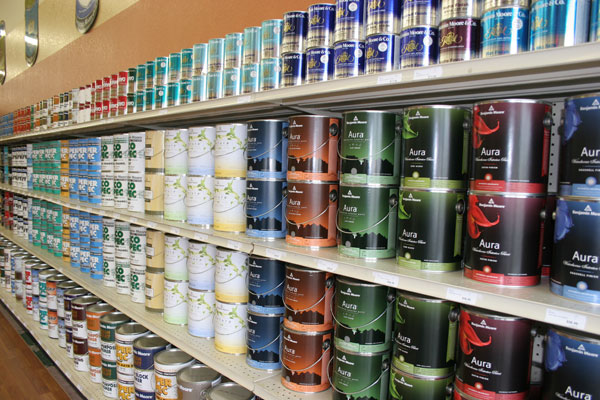 Paint stores, hardware stores and professional painters will speed their work with the Paint Can Closer.
